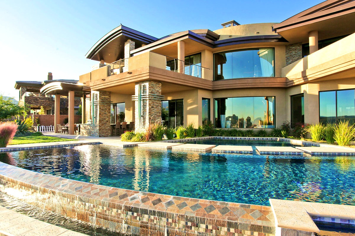 How Important is Location When Looking for a Luxury Home